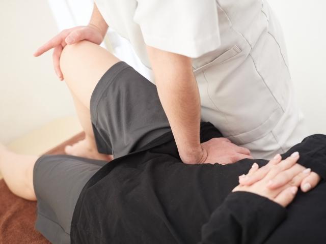 身体の土台となる骨盤から整えて肩こりを改善する施術です