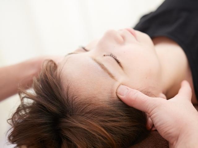身体の状態を確認して最適な施術で頭痛を改善します