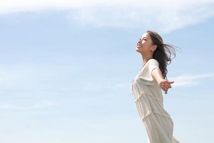 正しい姿勢は健康や美容でも良い効果が期待できます